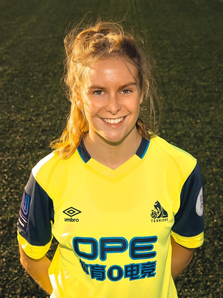 Football player Robyn delighted with Multiflight sponsorship